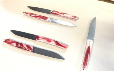 Un nouveau couteau au Moulin Rouge